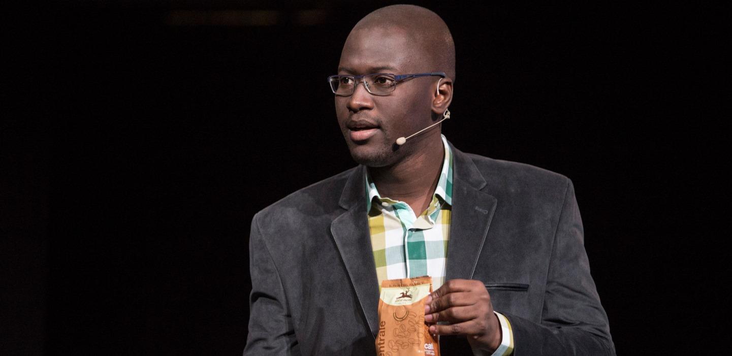 Ndongo Samba Sylla: Le commerce équitable et le défi de la transformation  rurale durable